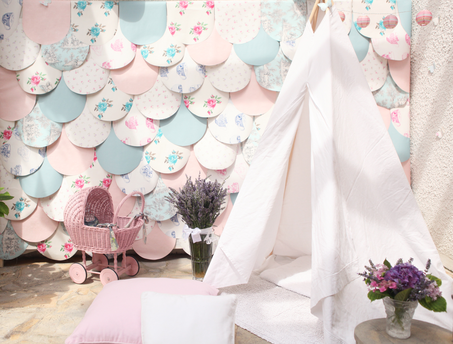 don't mess with the rabbit - decors bapteme victoria - diy tipi teepee corner