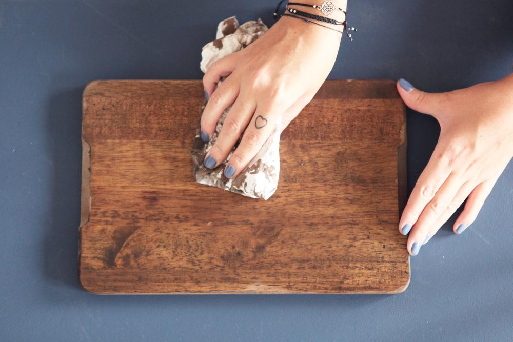 don 39 t mess with the rabbit do it yourself la planche d couper porte photo. Black Bedroom Furniture Sets. Home Design Ideas