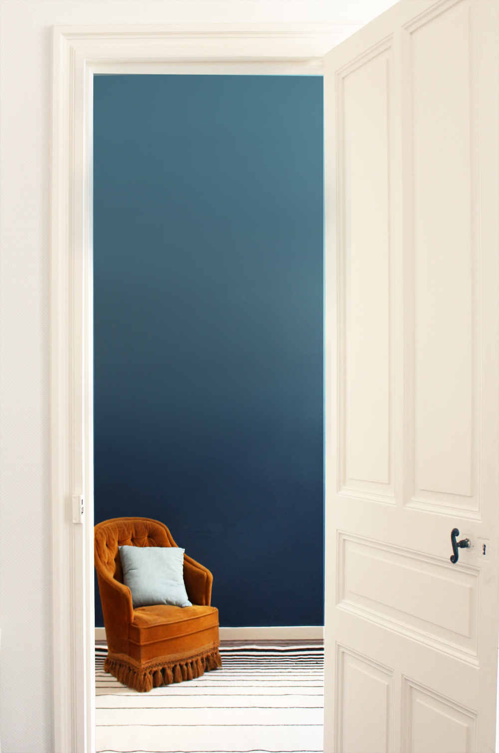 Don't mess with the rabbit - DIY ombre wall - mercadier - fauteuil